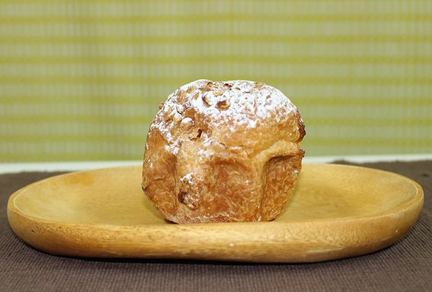 Daisy(デイジイ)の「クロワッサンB.C.」のB.C.のBはバター、Cはクロワッサンとクッキー、ケーキを意味する