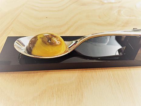 トリュフ風味の卵