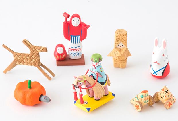 木目や素材の質感など、本物に忠実に、丁寧に再現されていて、改めて日本の郷土玩具の魅力を知ることができます。