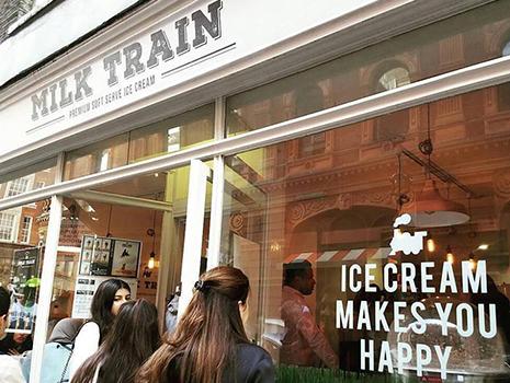 アップル・マーケットから歩いて5分ほどのところにあるミルク・トレイン・カフェ