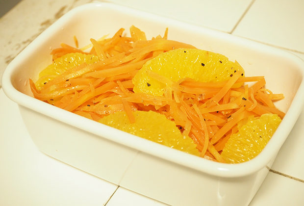 オレンジキャロットラペ調理途中