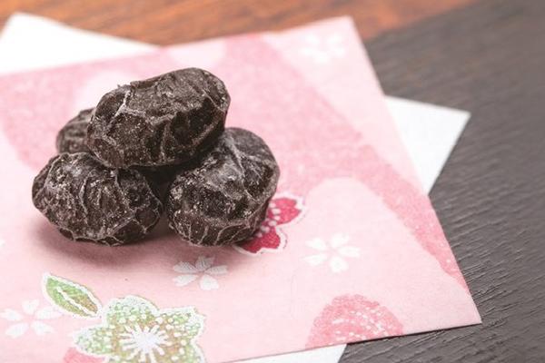 美活にもおすすめ。甘納豆の老舗メーカー光武製菓が手がける「黒豆しぼり」