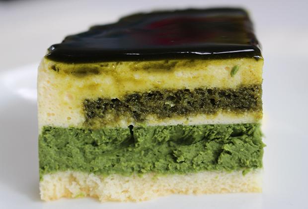 抹茶が好きな方はもちろん、 日本中のチーズケーキ好きに味わってほしい!