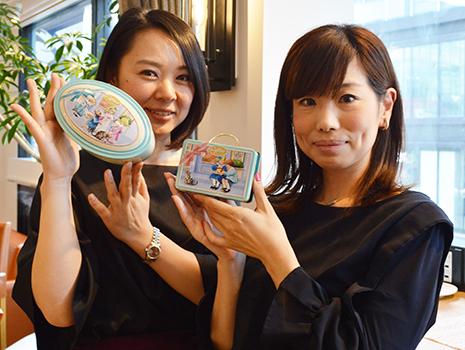 商品解説をしてくれた、カファレルの日本総輸入代理店「山本商店」の山田さん(左)と森さん(右)