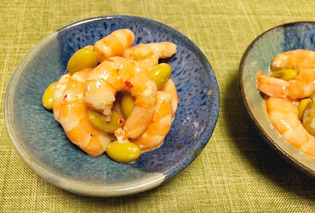 浸し豆を和えたり。魚介類のお刺身をちょっとおしゃれに。