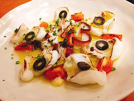 鮨種はもちろん、赤酢、海苔に至るまで、細かなこだわり