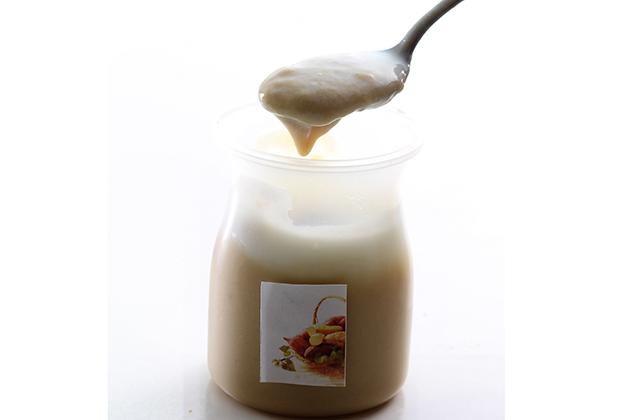 『とろ~り焼芋』は、透明容器に入ったとろとろの焼芋