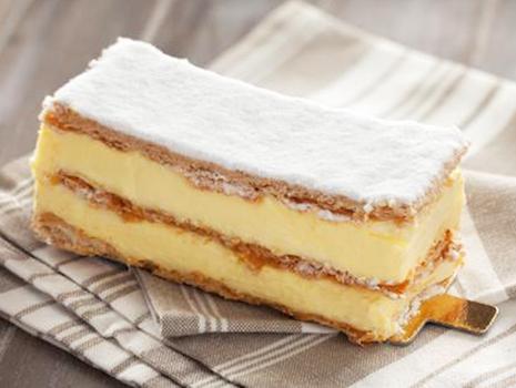 濃厚なクリームとミルフィーユのパイ生地の組み合わせは、想像しただけでも小腹が空いてしまいそう!