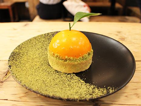 「ビッグ・オレンジ」はその名の通り、オレンジのような形