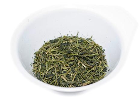 「Roastea」の茶葉「碾茶」の茎。焙煎したものは、高級茶「雁が音ほうじ茶」として知られる