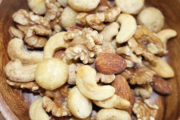 ナッツ:東京/目黒・Groovy Nutsの『ベーコンスモークドナッツ』