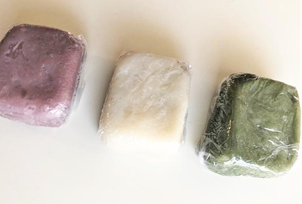 左から紫芋、白(あずきあん)、よもぎ。