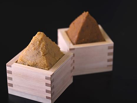 明治4年創業の「ヤマエ食品工業」の麦味噌