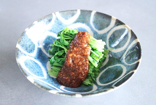 「豆味噌」を活用したレシピ『豆苗の酢味噌かけ』