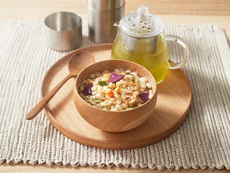 国内産玄米100%を使った「ライスグラノーラ」