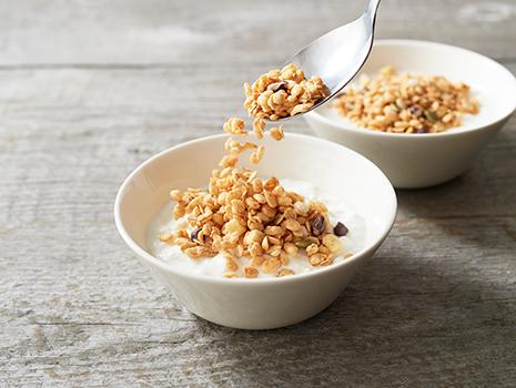 お米由来の植物性乳酸菌とオリゴ糖を加えることで、より腸内環境に作用するグラノーラに仕上げたそう