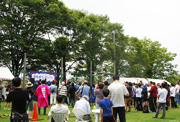 野外ステージも設置されており、つじあやのさんや、仮面女子さんが熱いステージを繰り広げていました!