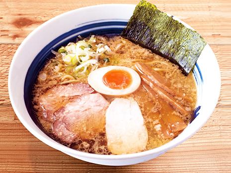 今回ご紹介する「直久 こく旨醤油らーめん」は、東京ラーメンの黎明期から続く名店の逸品