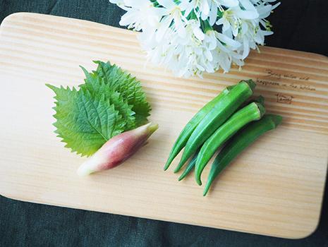 今回は、夏が旬の「オクラ」と「大葉」を使ったレシピです