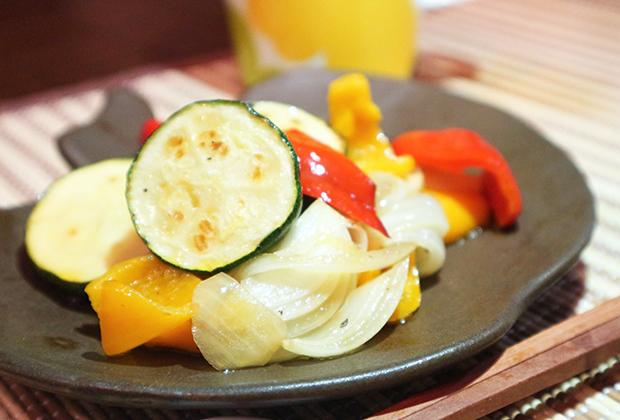 「さるなし酢」を活用したレシピ『夏野菜のカラフルマリネ』