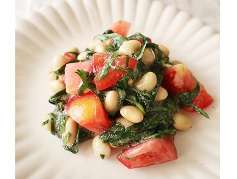 「足助仕込三河しろたまり」を活用したレシピ『トマトとモロヘイヤの美肌サラダ』