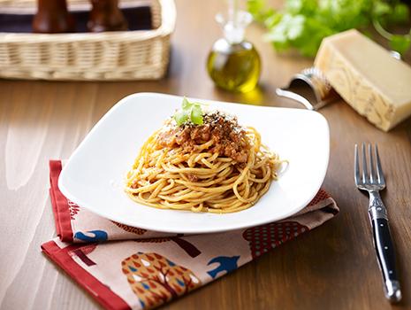 素材の持ち味を生かしたスープやたれ、ソースなどの製造・開発で知られ、高い技術と独自の製法は、有名レストランの味の再現でも高い評価を得ています