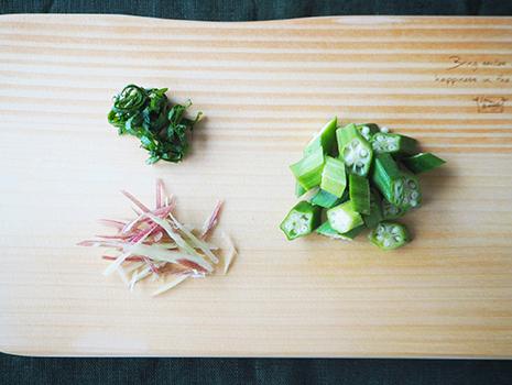 「オクラ」と「大葉」のどちらも、体内でビタミンAに変換されるβカロテンが多い夏野菜です
