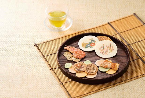 「夏きらり」は、素材や製法の違う様々なえびせんべいの味わいが楽しめます