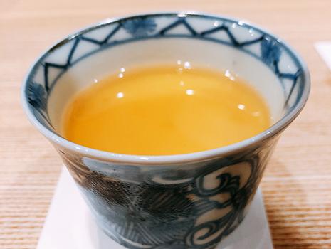 「師匠から、これは飲み物なんだと」と教わったという、茶碗蒸しは極めて秀逸