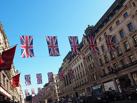 春に息子と滞在したイギリスにも持って行きましたよ