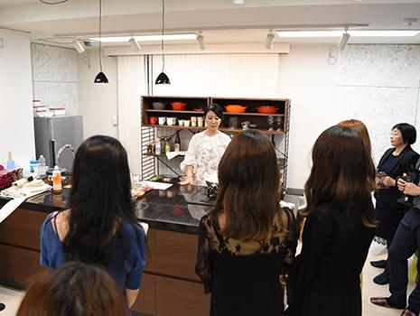 フードコーディネーター梶山葉月さんの生ハヅキッチンが披露されました