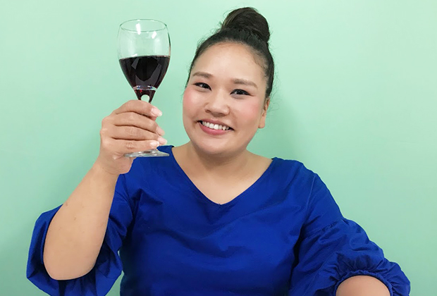 まだ口にとろりが残っている間にワインを…