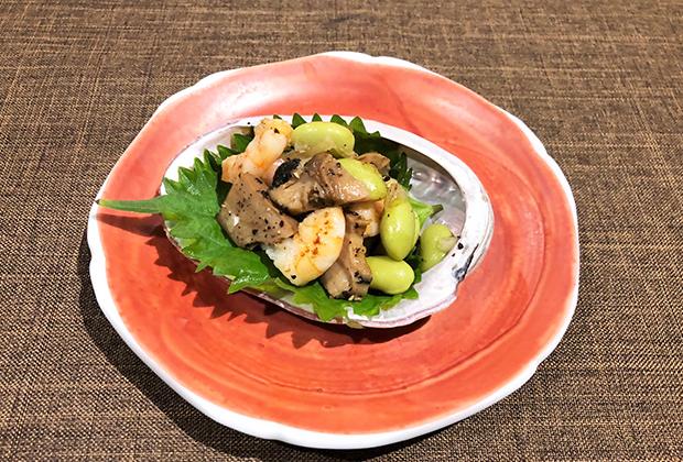 ●アレンジレシピ【あわびとエビ、枝豆のバター炒め】