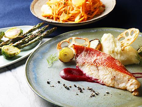 酒やみりんなど漬けたれに使う調味料は魚に合わせて割合を変え、持ち味を最大限に引き出します