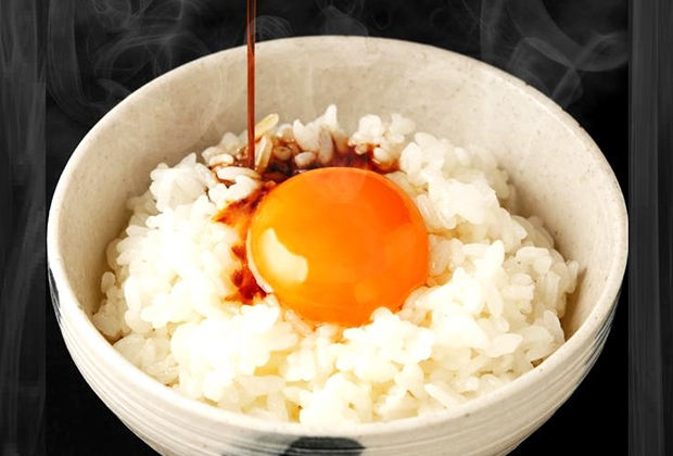 黄味がしっかりしていますし、卵が濃い。味わいは人それぞれかもしれませんが、満足いただけると思っています