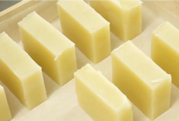 2011年10月からブランドのLA LA HONEY(ララハニー)として、コールドプロセス石鹸を販売