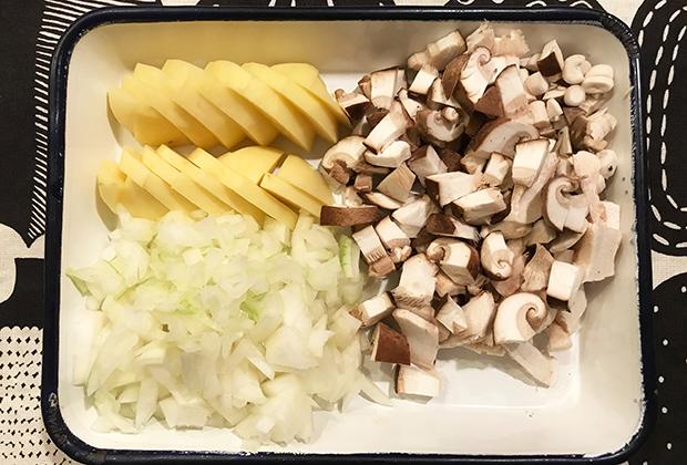 食卓のお塩替わりもなる『粉末塩麹』を使った『きのこの豆乳ポタージュ』をご提案します