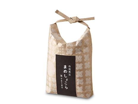 手のひらサイズの可愛らしいクラフト素材の米袋パッケージに入っているのでこちらも手土産として喜ばれそうです
