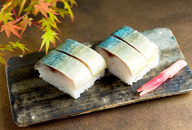 真昆布の味わい深く、鯖が苦手な人にもおすすめの棒寿司