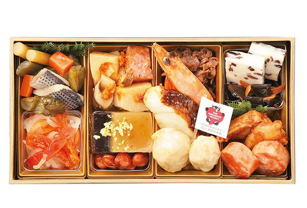 熊本県の食材を使った、くまモンのお重に入ったおせち