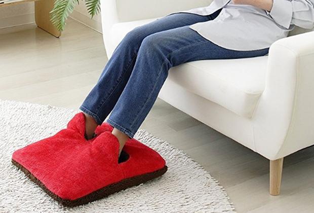 スース―しがちな足元に安心感あり! の足温器