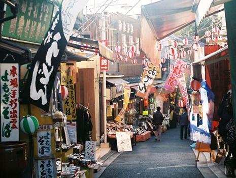 「お好み焼せんべえ」は、大阪の下町で愛されてきたお好み焼きの再現をコンセプトに開発したそう