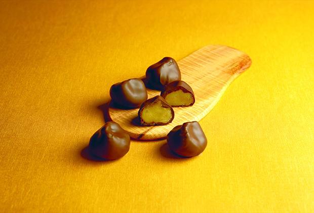 和の栗きんとんと洋のチョコレートのほどよい甘さのハーモニー