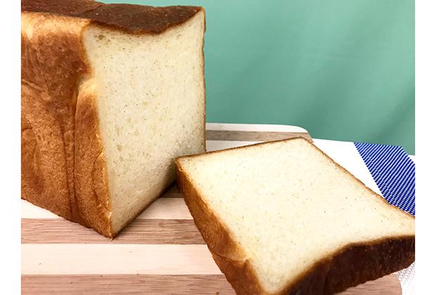 最後は私が食べた食パンの中で、最も高級な1本です。お値段なんと6,500円!!
