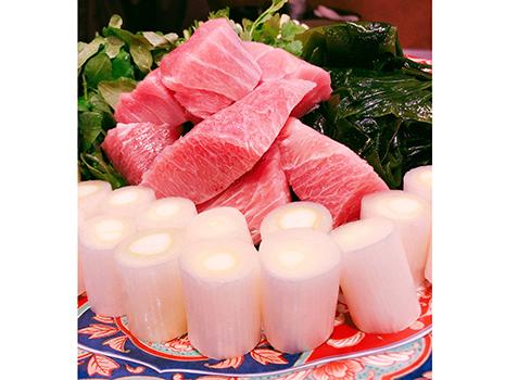 メインのねぎま鍋に至るまでに、江戸前の卵焼きをはじめとした「ザ・酒の肴」が供される