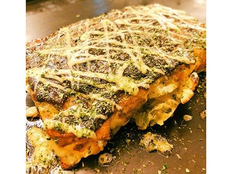 下北沢「なんばん亭」の流れを汲む四角いお好み焼きは抜群に美味い