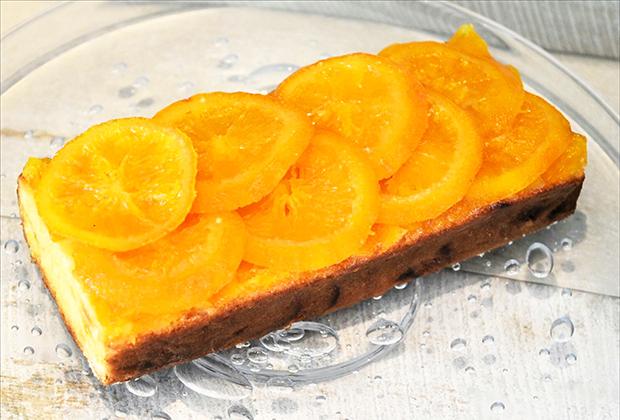 フレンチの名店がプロデュースするオレンジたっぷりのケーキ