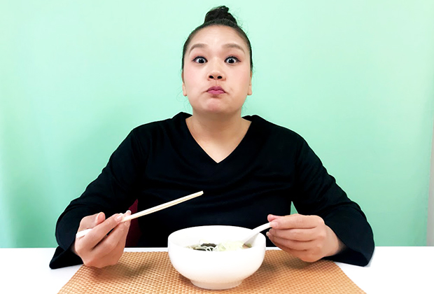 麺から出る昆布出汁と、付属のとろろ昆布から出る出汁がスープにとけている! これはおいしい!