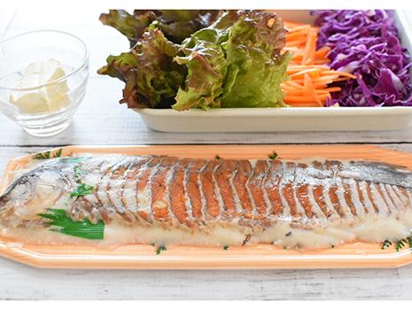 ご紹介するレシピは、鮒と飯、その両方を使った生春巻き。 鮒寿司のルーツは東南アジアにありと言われるくらいですから、エスニックなお料理にもぴったりです。