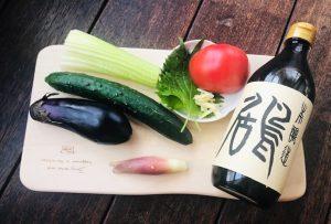 今回はこの「木樽天然仕込醤油」を使った野菜の熟成醤油漬けをご紹介します